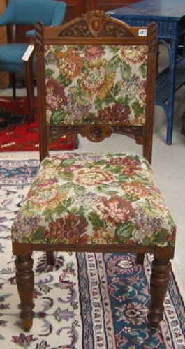 487: A SET OF FIVE OAK AND FLORAL TAPESTRY DINING  CHAI