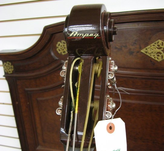 74: AMPEG MODEL BB-4 (BABY BASS) ELECTRIC BASS, 3/4  si - 2