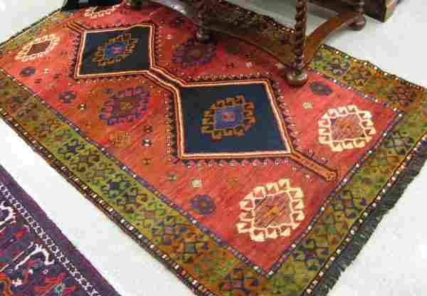 273: PERSIAN SHIRAZ AREA RUG, double geometric  medalli