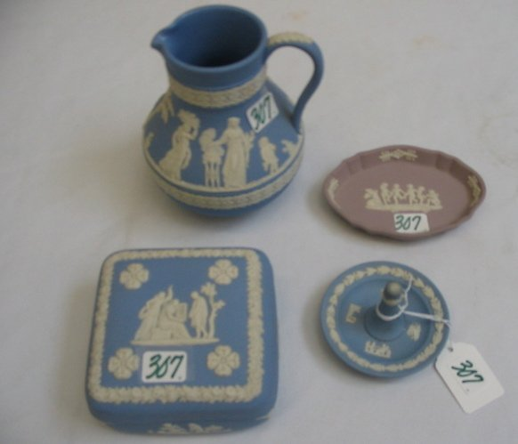 307: A GROUP OF FOUR WEDGWOOD JASPERWARE ITEMS.  One  i