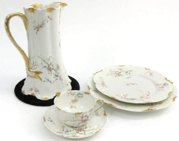 603: HAVILAND & CO., LIMOGES, FRANCE 130 piece fine  ch