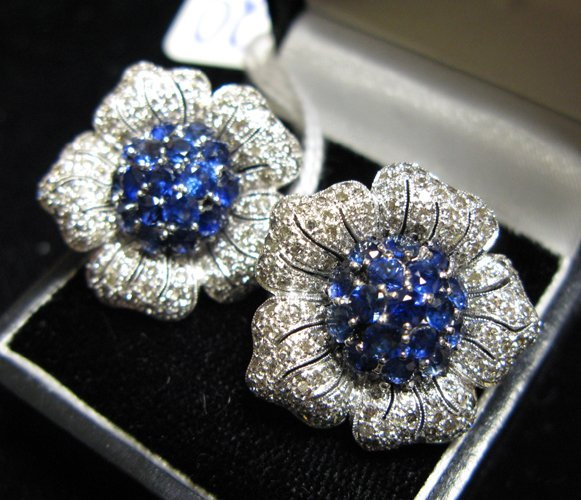 620: PAIR OF SAPPHIRE, DIAMOND AND EIGHTEEN KARAT  WHIT
