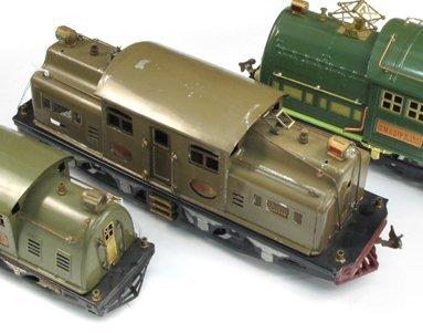 5: LIONEL STANDARD GAUGE TOY TRAIN ENGINE #402E,  light