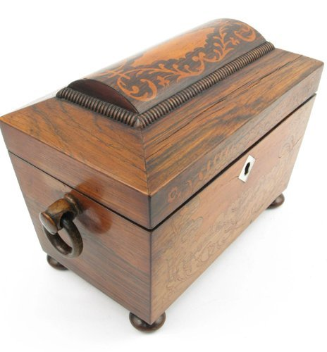 604: AN EARLY VICTORIAN ENGLISH TEA CADDY of rosewood a
