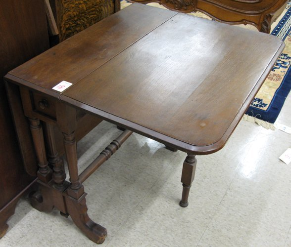 18: LATE VICTORIAN DROP-LEAF PEMBROKE TABLE, American,