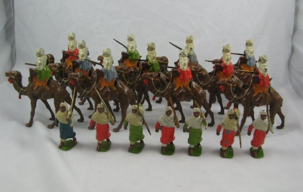 1: A COLLECTION OF BRITAINS LEAD TOY ARAB TRIBESMEN:  s