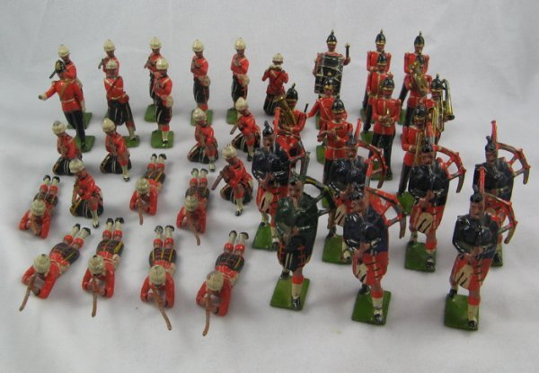 5: A COLLECTION OF FIFTY-SIX LEAD TOY SOLDIERS,  severa