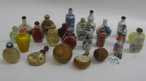 317: COLLECTION OF TWENTY-FOUR CHINESE SNUFF BOTTLES, i