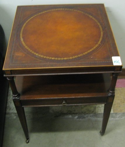 456: PAIR OF FEDERAL STYLE MAHOGANY LAMP TABLES,  Weima