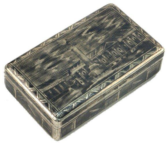 607: A RUSSIAN STERLING SILVER NIELLO INLAID SNUFF BOX