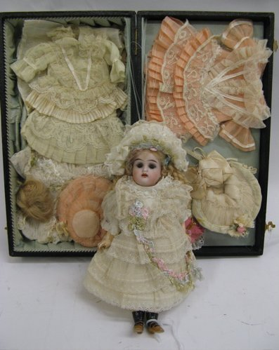 301: A GERMAN KAMMER & REINHARDT BISQUE HEAD 192 DOLL,7