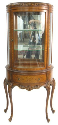 619: LOUIS XV STYLE DEMILUNE CURIO DISPLAY CABINET ON S