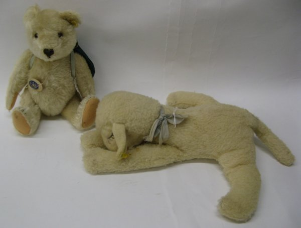 320: TWO GERMAN STEIFF TOYS: a lamb, with off white  mo