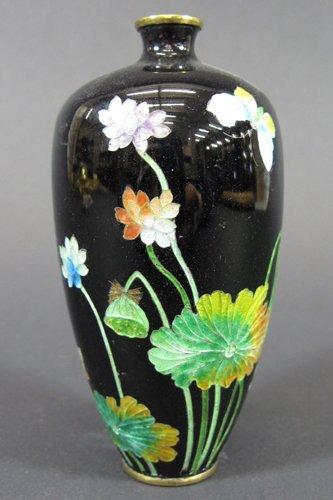 601: JAPANESE CLOISONNE ENAMELED VASE, colorful  enamel