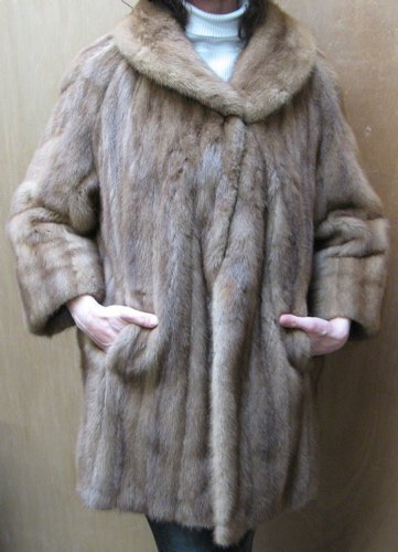6: A LADY'S MINK FUR JACKET with 3/4 length  sleeves, l