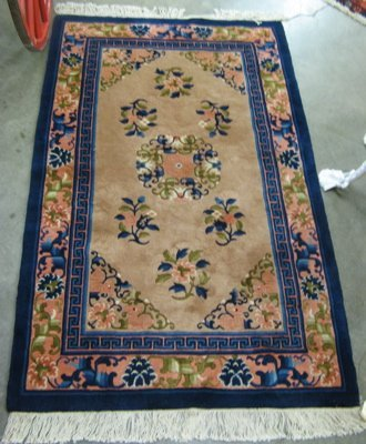 308: CHINESE AREA RUG, old Peking design, hand  knotted