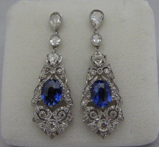 625: SAPPHIRE & DIAMOND DANGLE EARRINGS