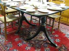 486 FEDERAL STYLE MAHOGANY DINING TABLE American  mi