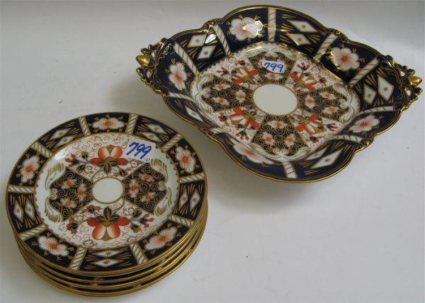 799: ROYAL CROWN DERBY DESSERT SET, 9 pieces, in the  I