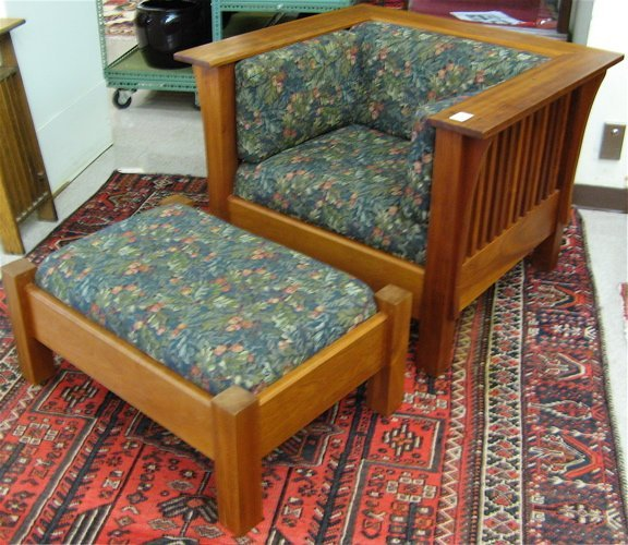 18: ARTS & CRAFTS STYLE  ARMCHAIR AND  OTTOMAN
