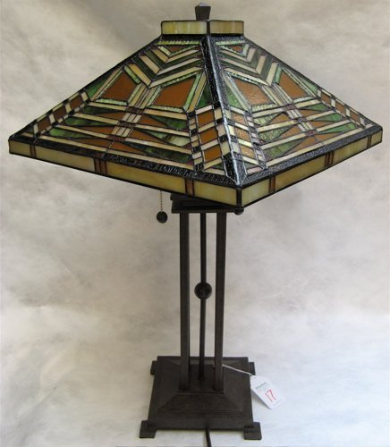 17: ARTS AND CRAFTS STYLE TABLE LAMP. The 16 in.  squar