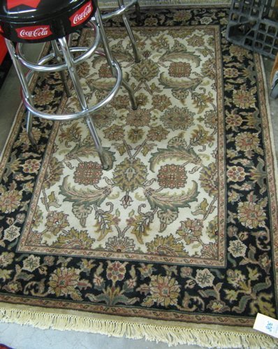 308: HAND KNOTTED ORIENTAL AREA RUG, Indo-Persian,  ove