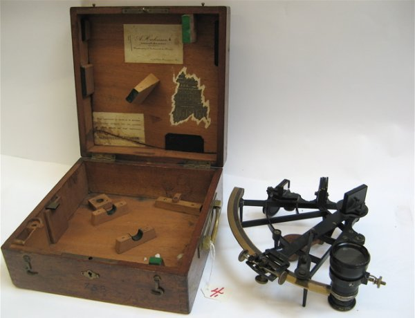 4: FRENCH SEXTANT with lens in hardwood fitted  covered