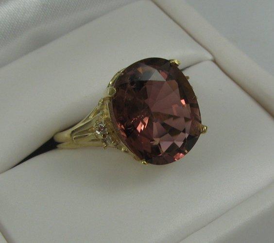 321: PINK TOURMALINE, DIAMOND AND 14K GOLD RING,  cente