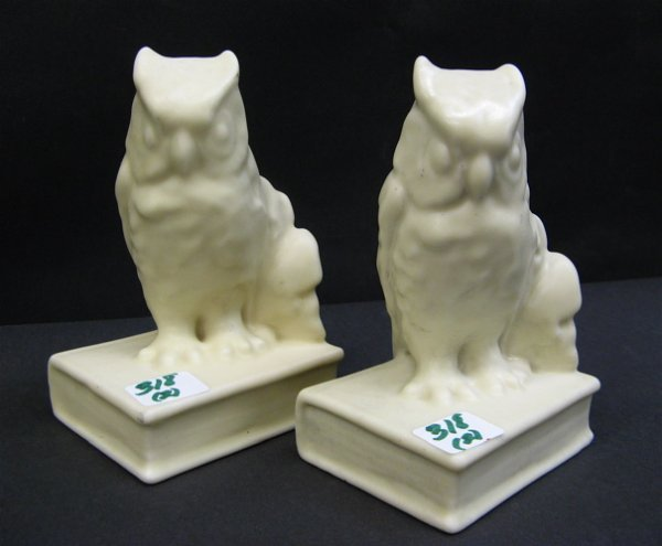318: PAIR ROOKWOOD FIGURAL OWL BOOKENDS, pale yellow, o