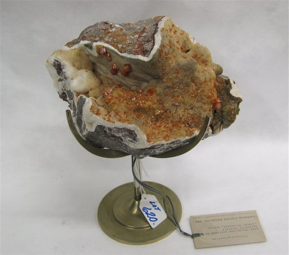 620: COLLECTOR'S SPECIMEN OF WULFENITE CRYSTALS, as  fo