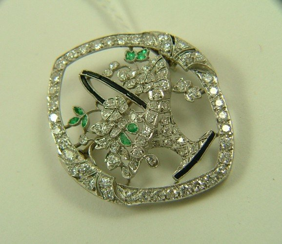 1006: ESTATE DIAMOND, EMERALD AND SAPPHIRE BROOCH, 18K