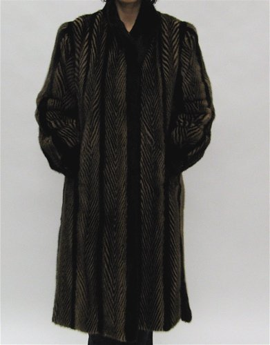 24: A LADY'S MINK AND GOLD BRUSHED WOOL FULL  LENGTH FU
