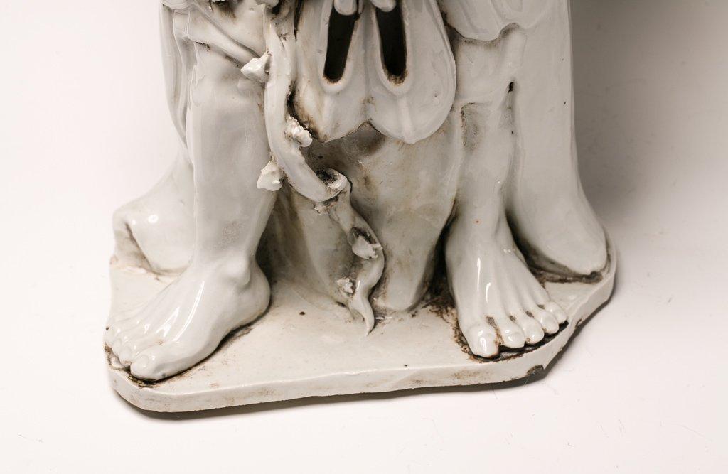 Large Blanc de Chine Dehua Luohan Sculpture - 4