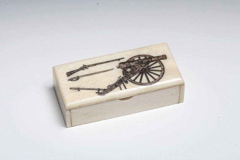Scrimshaw Snuff Box with Civil War Theme