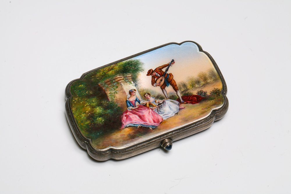 Silver Enamel Compact with Minstrel