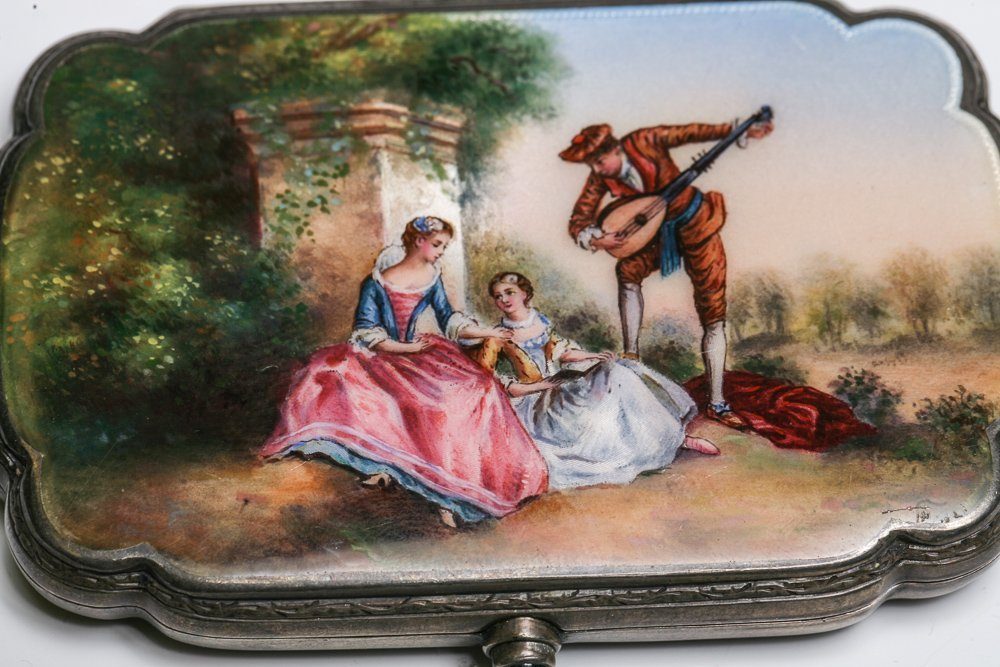 Silver Enamel Compact with Minstrel - 2