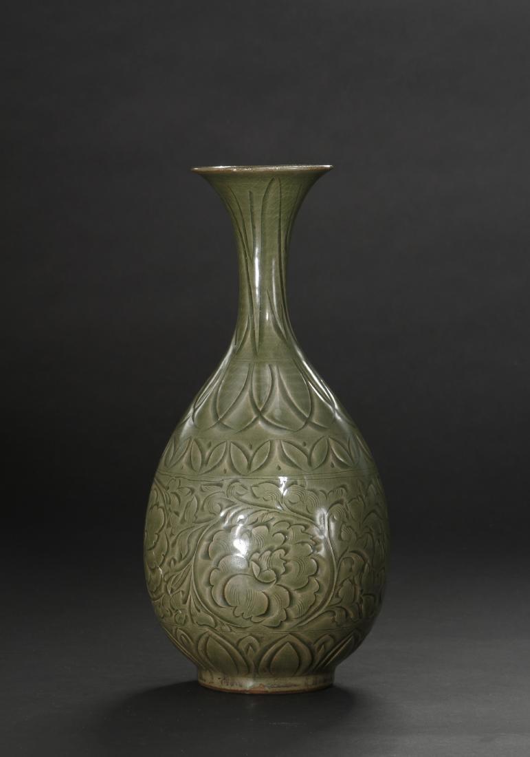 Large Yaochou Carved Yuhuchuan Vase - 3