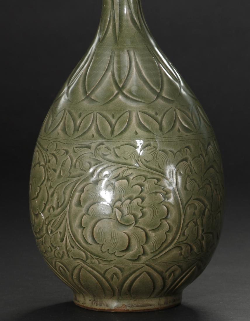 Large Yaochou Carved Yuhuchuan Vase - 4