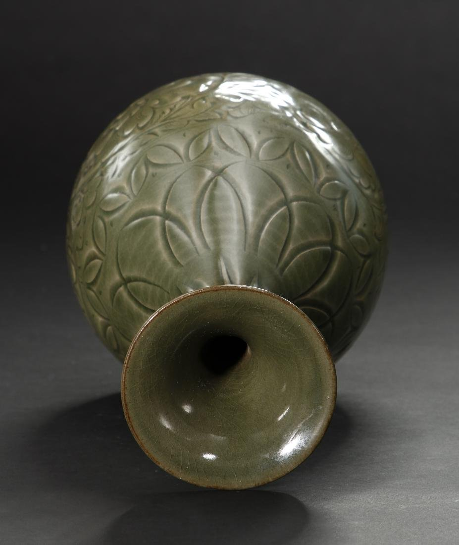 Large Yaochou Carved Yuhuchuan Vase - 5