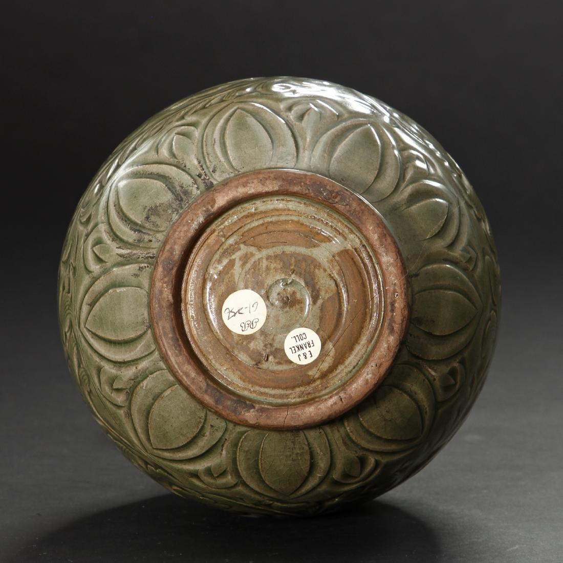 Large Yaochou Carved Yuhuchuan Vase - 6