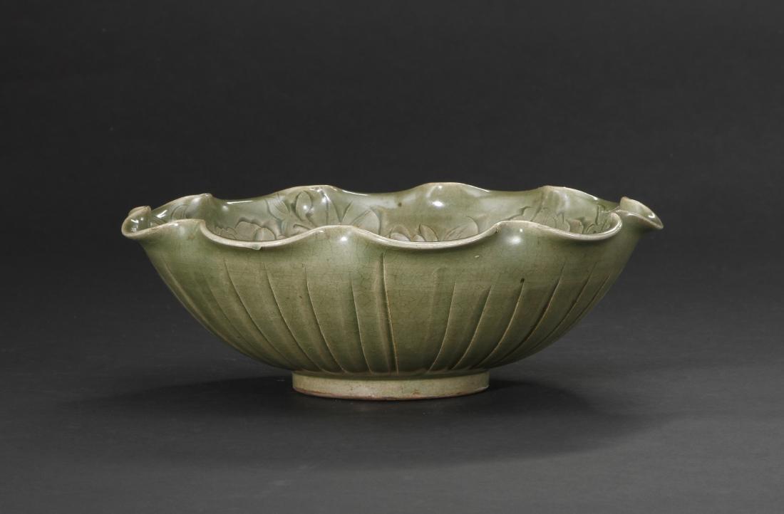 Large Carved Yaozhou Celadon 'Floral' Bowl