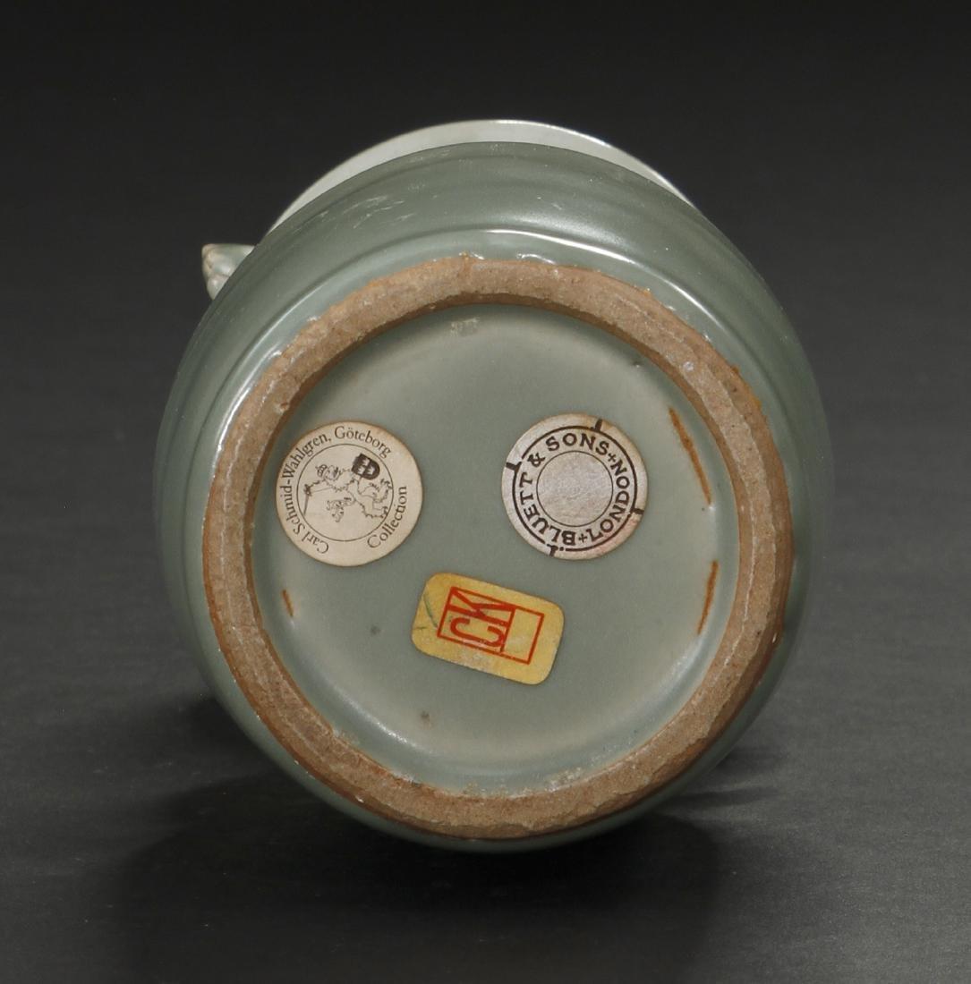 Fine Lungchuan Celadon 'Kinuta' Mallet Vase - 8