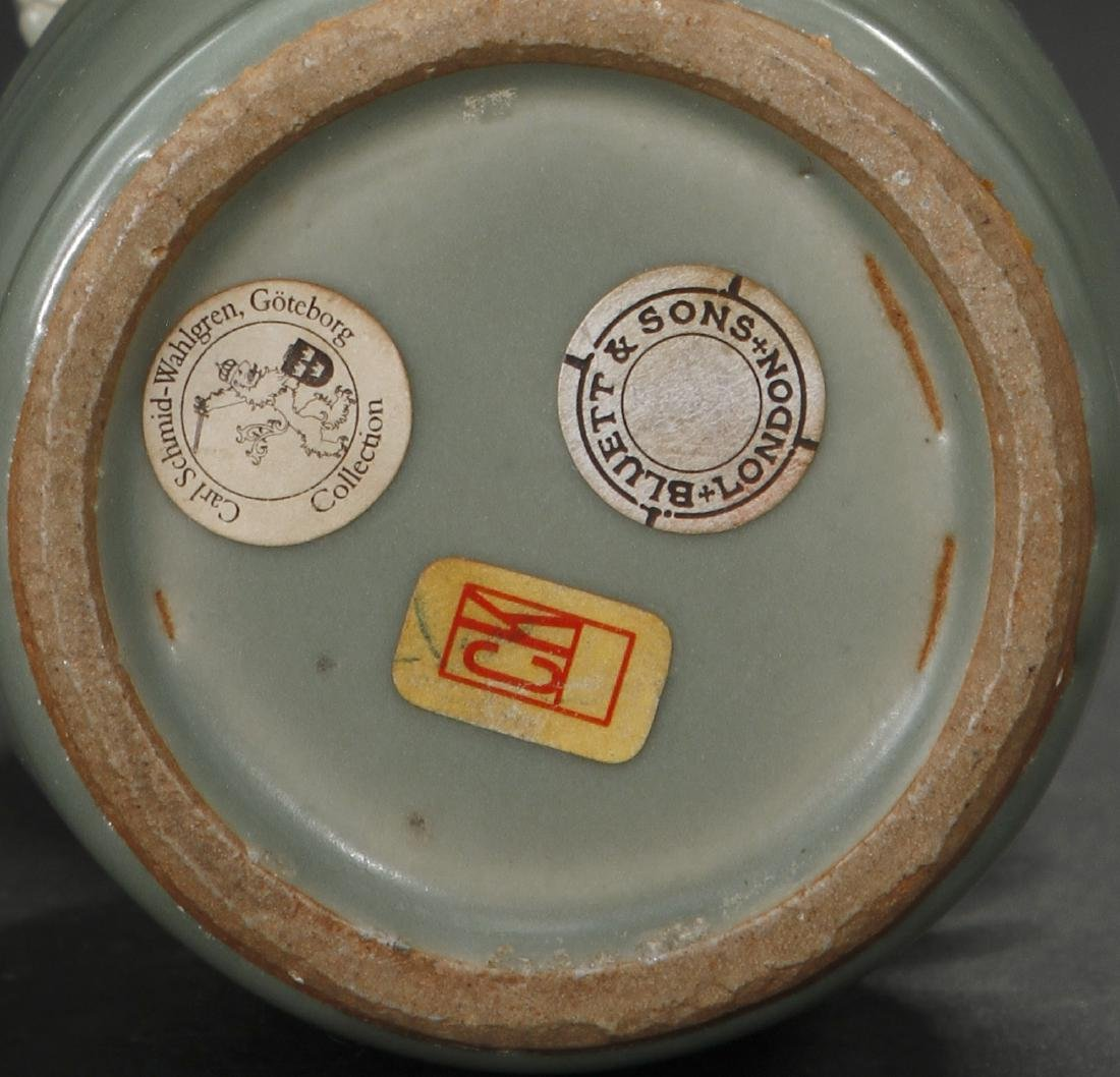 Fine Lungchuan Celadon 'Kinuta' Mallet Vase - 9