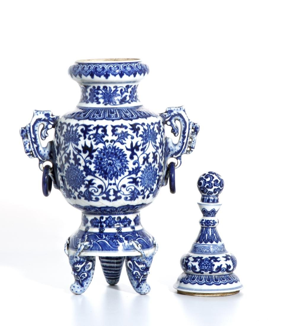 Chinese Blue and White Tripod Censer With Cover - 3
