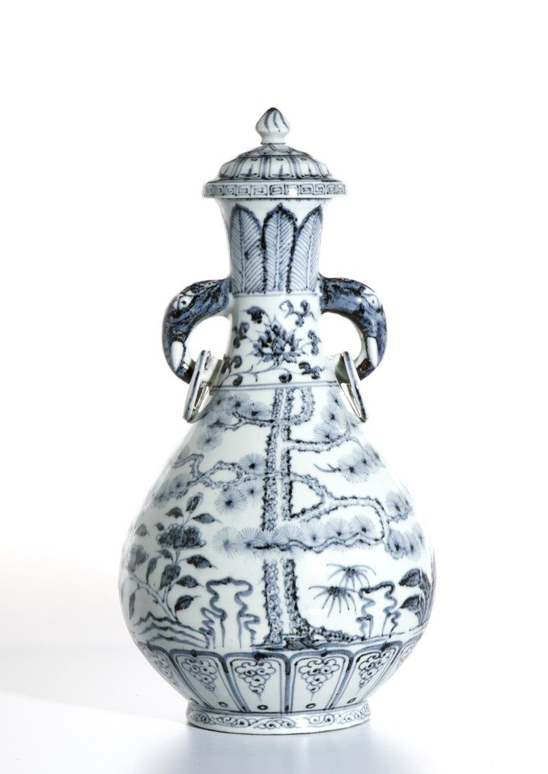 Chinese Blue and White 'Three Friends' Vase - 3