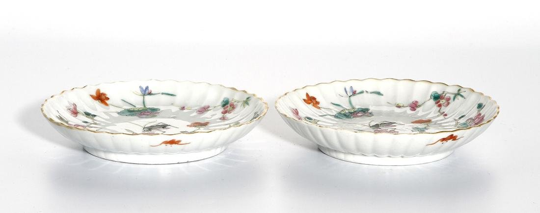 Pair of Chinese Wucai Dishes - 6
