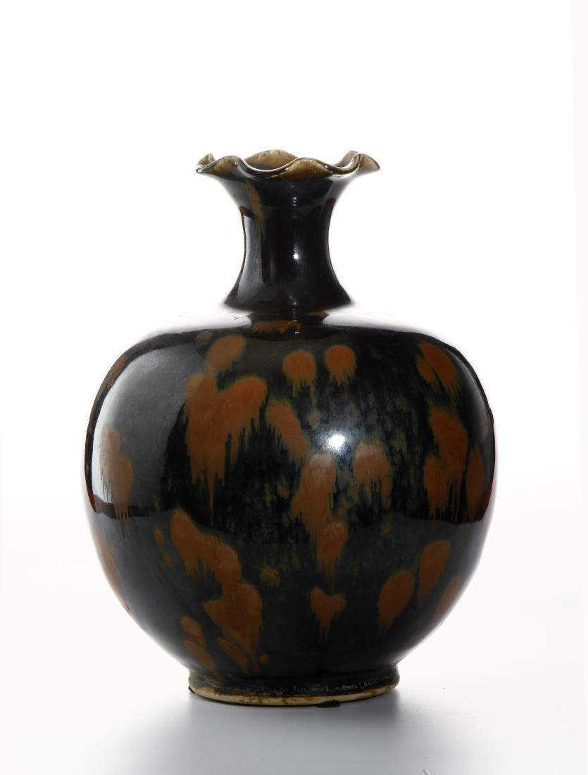 Black Glazed Russet Splashed Globular Vase - 2