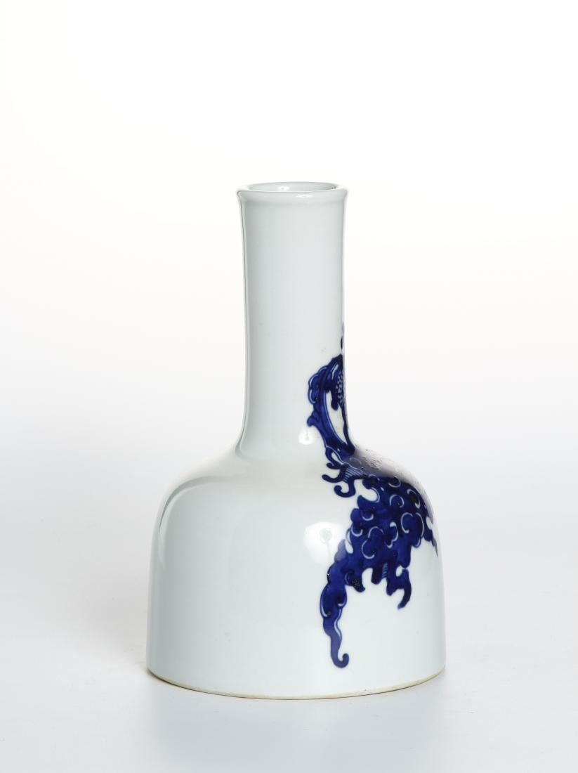 Chinese Blue and White Mallet Vase - 2