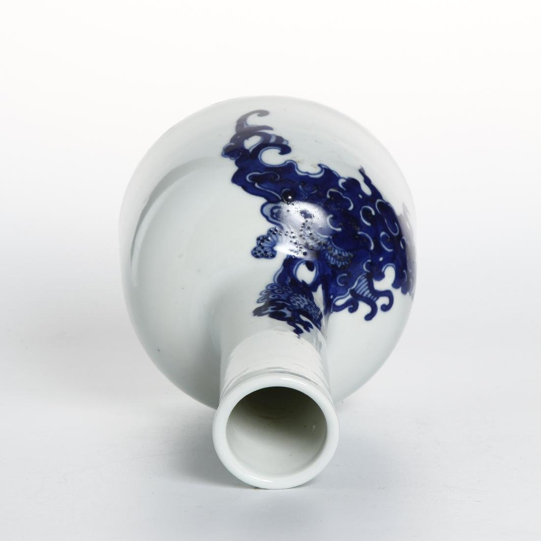 Chinese Blue and White Mallet Vase - 3