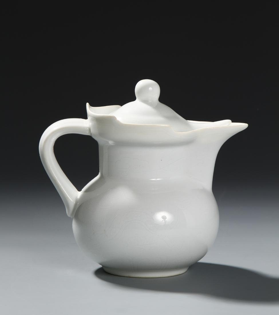 Chinese White-Glazed 'Monk's Cap' Ewer and Cover - 2